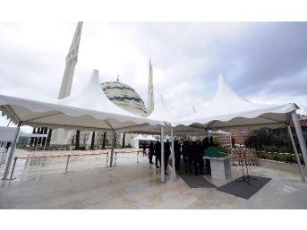 Abdullah Gül'ün Kayınpederi Son Yolculuğuna Uğurlanıyor
