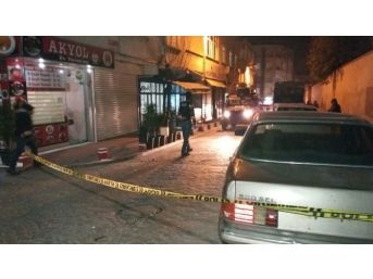 Beyoğlu'nda Derneğe Ses Bombalı Saldırı: 1 Yaralı