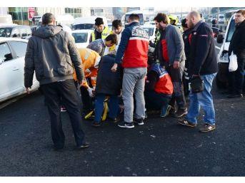 (özel)merter'de Meydana Gelen Kaza, Trafiği Kilitledi