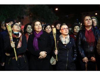 Bucalı Kadınlar Özgecan İçin Sokaklarda