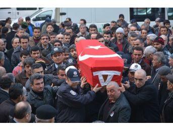 Oğlu Tarafından Öldürülen Polis İçin Cenaze Töreni Düzenlendi