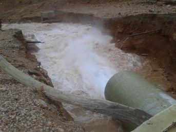Sivas'ta Sulama Kanalı Patladı