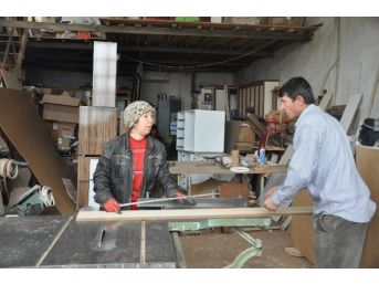 (özel Haber) Marangozhaneye Kadın Eli Değdi Mutfak Dekorasyonları Daha Da Güzelleşti