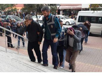 Kocaeli'deki Banka Vurgununda 4 Kişi Tutuklandı