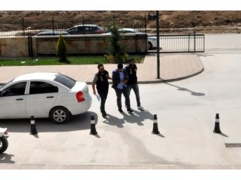 Uşak Polisi 4 Kilo Esrar Ele Geçirdi