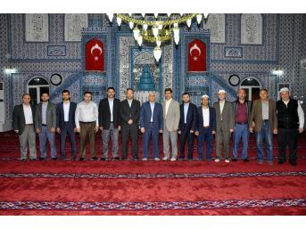 Edremit Alsancak Camisi'nde Kuran-ı Kerim Ziyafeti