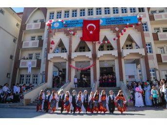 Erciş'te Okuma Bayramı Ve Fidan Dikimi