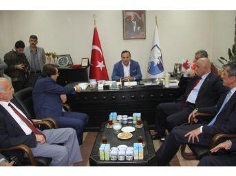 Milletvekillerinden Bb Erzurum Spor'a Ziyaret