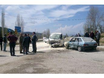 Gümüşhane'de Zincirleme Trafik Kazası: 2 Ölü, 6 Yaralı