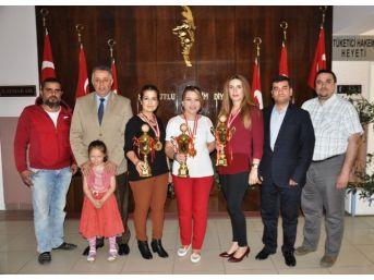 Milli Takıma Giren Kuaförlerden Kaymakam Ateşoğlu'na Ziyaret