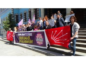 Adliye Önünde Kadın Cinayetleri Protestosu