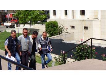 Cinayetten Hükümlü İki Firari Mahkum Polisin Dikkati Sayesinde Yakalandı