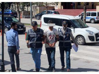 Kendini Polis Olarak Tanıtan Dolandırıcı Yakalandı