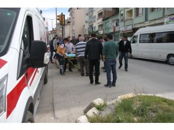 Tosya'da Otomobilin Çaprtığı Yaşlı Kadın Yaralandı