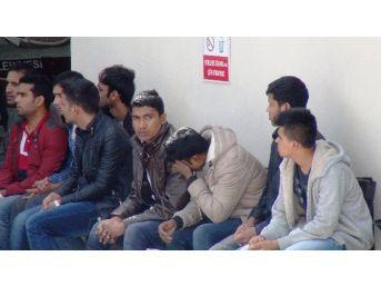 Pakistanlı Kaçaklar Lüks Villada Yakalandı