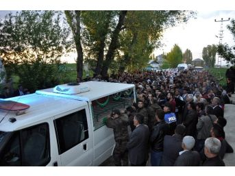 Şehit Polisin Cenazesi Muş'a Getirildi