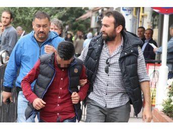 Marketten 3 Bin Liralık Sigara Çalan Genç Yakalandı