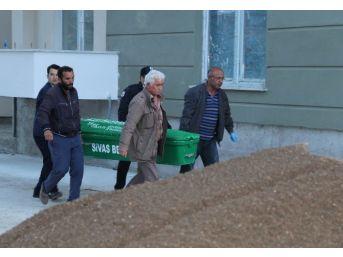 Afgan İşçi İlk İş Gününde Asansör Boşluğuna Düşerek Öldü
