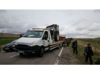 Gürün'de Traktör Devrildi: 1 Yaralı