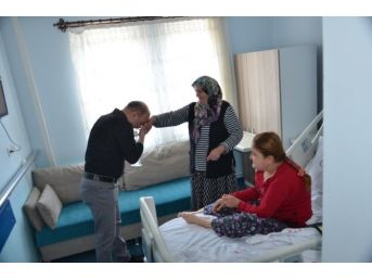 Hastanedeki Anneler Unutulmadı