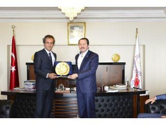 Memur-sen Genel Başkanı Ali Yalçın'dan Özer'e Ziyaret