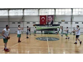 Mamak Dsi Genç Basketbol Takımı Namağlup Lider