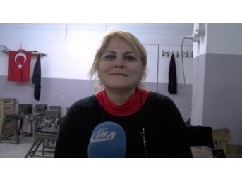 Üniversiteyi Kazanan Kızına Yurt Çıkmaması Hayatını Değiştirdi