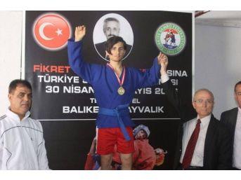 Türkiye Sambo Şampiyonu Ödemiş'ten
