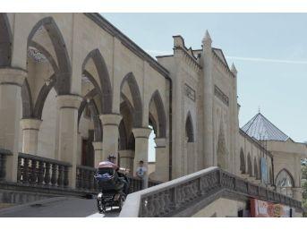 Kırşehir'de 15 Camide 'engelsiz Cami' Projesi Hayata Geçti
