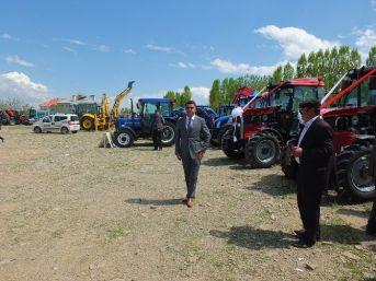 Korkut'ta Traktör Ve Tarım Ekipmanları Fuarı