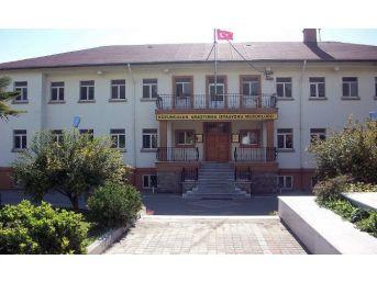 Bandırma Koyunculuk Araştırma Enstitüsü Müdürlüğün'de Polis Arama Yaptı