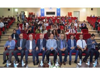 """Bandırma'da """"yeni Anayasa Ve Başkanlık Sistemi"""" Konferansı Yapıldı"""