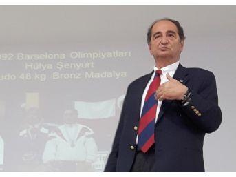 Dumesf Başkanı Muzaffer Ilıcak Bodrum'da Gençlerle Buluştu
