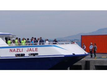Yunanistan'dan Gelen Yeni Mülteci Kafilesi İzmir'de