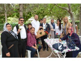 Görme Engelliler Piknikte Gönlünce Eğlendi