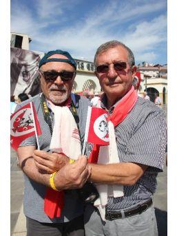 45 Yıllık Arkadaşını 19 Mayıs Gezisinde Buldu