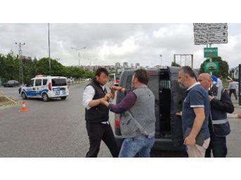 Otobüs Terminali Önündeki Yolcu Kavgasında Muhtar Silah Kullandı
