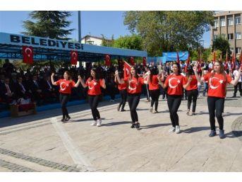 Uşak'ta 19 Mayıs Gençlik Ve Spor Bayramı Kutlandı