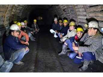 """İşçiler """"madenden Çıkmama"""" Eylemi Başlattı"""