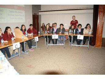 Ortaokul Öğrencileri Bilgi Yarışmasında Ter Döktü