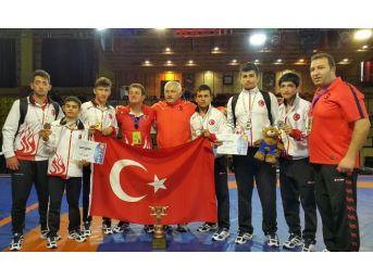 Altındağlı 'sessiz Şampiyonlar'ın Başarısı