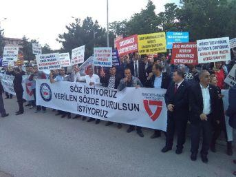 """Tsk'daki Sivil Memurlardan """"zam"""" Eylemi"""