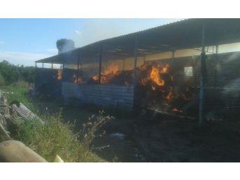 Çakmar'da Saman Deposu Yangını