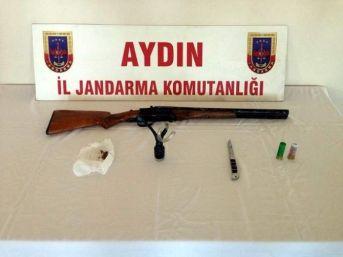 Jandarma Uygulamasında Esrar Ve Ruhsatsız Silah Yakalandı
