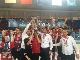 Şampiyon Efespor 2. Lig'e Yükseldi