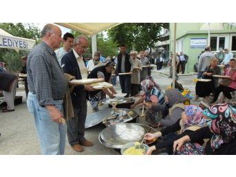 Burhaniye'de Hürriyet Mahallesinde Hayır Coşkusu