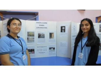 Burhaniye'de Liseliler Engelliler İçin Proje Hazırladı