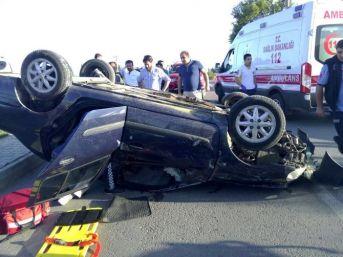 Takla Atan Araçta Sıkışan Yaralıları İtfaiye Kurtardı