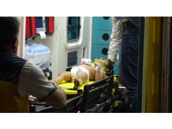 Otomobilin Altında Kalan Çocuk Hastaneye Kaldırıldı