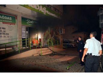 Süper Markette Önce Patlama Sesleri Duyuldu Sonra Yangın Çıktı...(özel Haber)